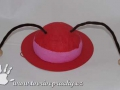 papírový klobouk