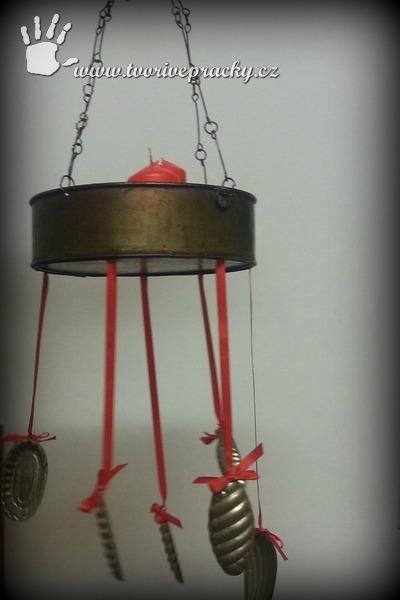 Adventní svícen z formiček a dortové formy