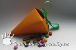 Papírová mrkev k Velikonocům