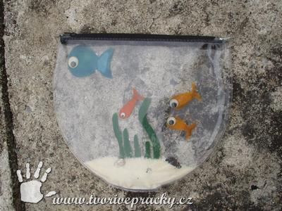 Akvárium z obalu od koupací čepice