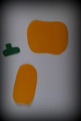 Dílky na podzimního strašák z voskových plátků