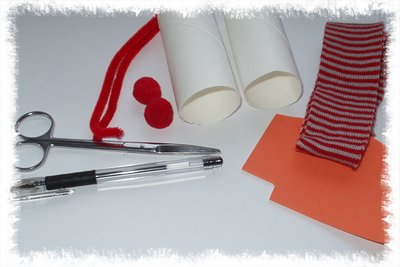 Materiál na výrobu sněhuláka z ruliček od toaletního papíru