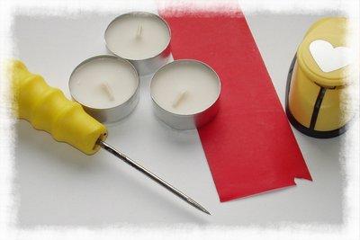 Materiál na výrobu svíček se srdíčky