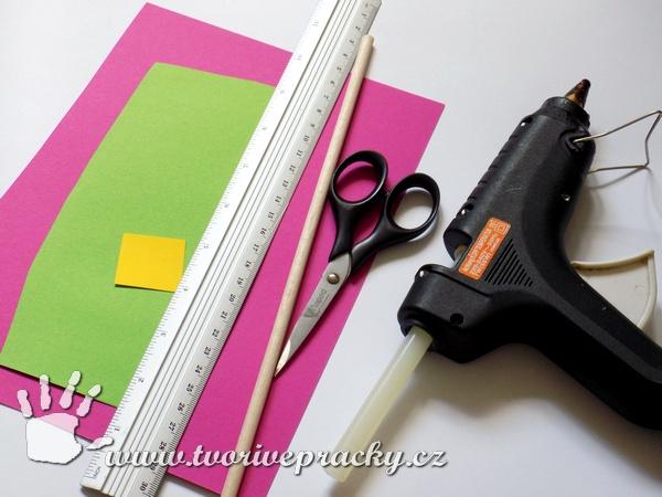 Materiál na výrobu papírového květu