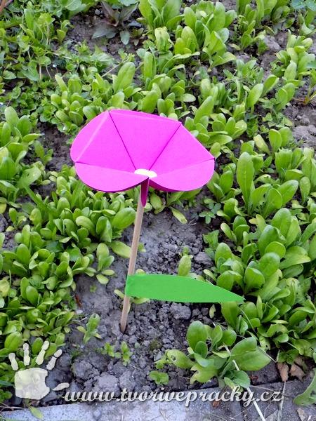 Papírový květ