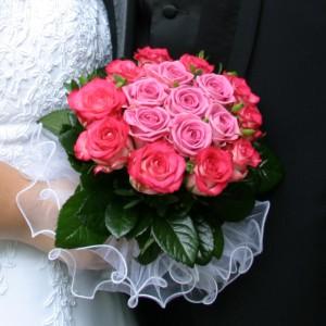 - Svatby