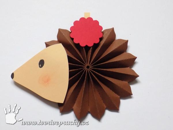 Papírový ježek z rozety