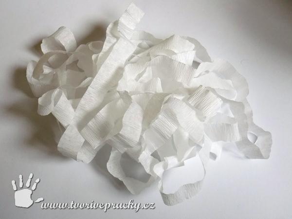 Proužky z krepového papíru