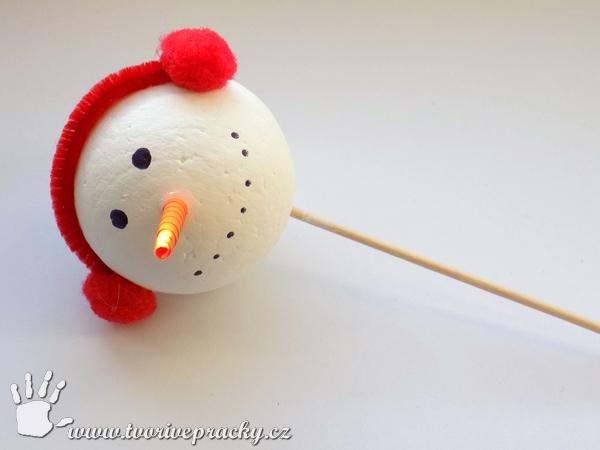 výroba hlavy pro sněhuláka na zavařovací láhev