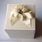 Svatební krabička s kalami