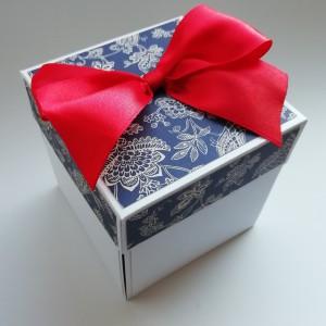 Folklorní krabička na darování peněz ke svatbě
