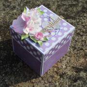 Puntikovaná narozeninová krabička