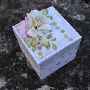 Květinová svatební krabička na darování peněz